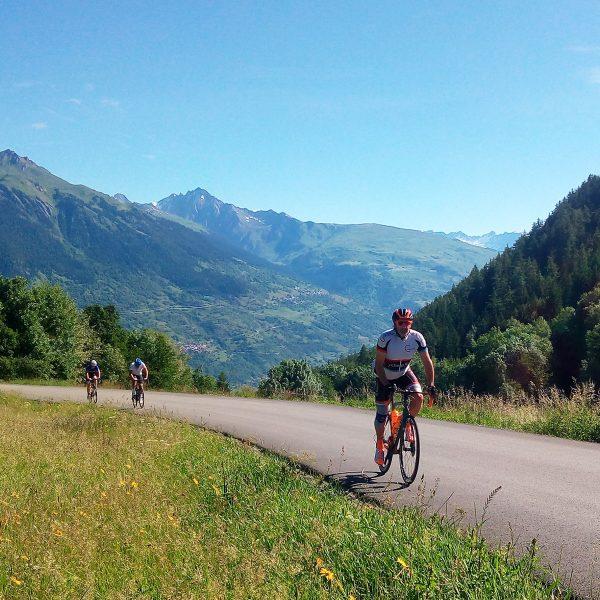 Stage cycliste dans les alpes